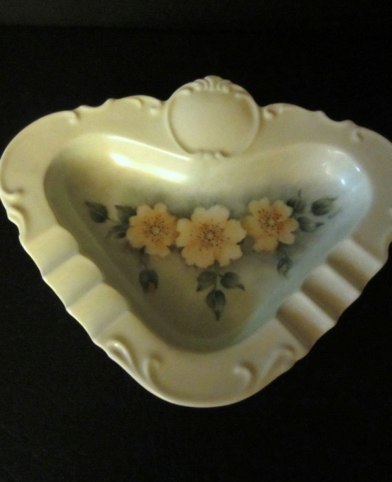Vintage Beautiful Ashtray trinket Green with Yellow Flowers