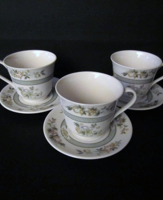 Royal Doulton Tonkin TC1107 England Cups and Saucers
