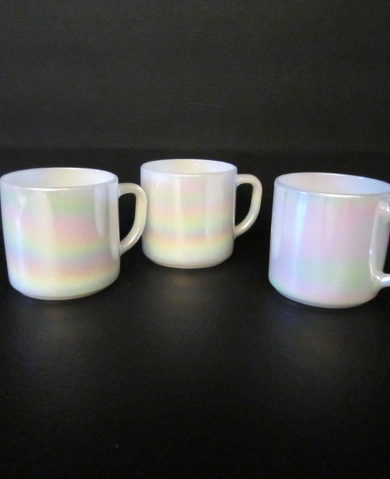 Federal Glass Vintage White Opalescent Pearl Mugs