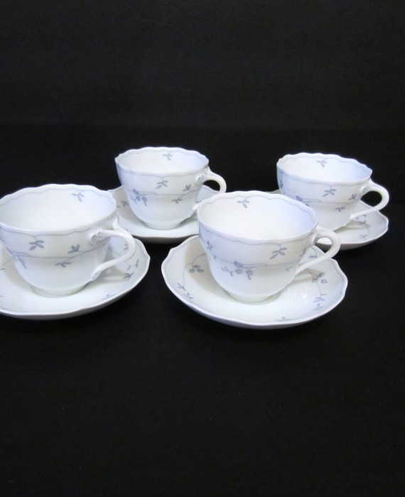 Hutschenreuther Seehof Blue Leaves Maria Theresa Germany Tea Cups & Saucers