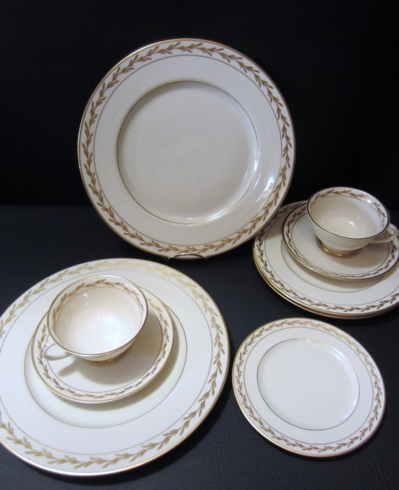 Franciscan China Beverly Gold Leaf Cups Saucers Plates