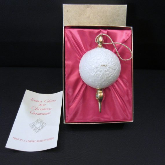 Lenox China Limited Edition 1982 Ivory Embossed 24 kt Gold Christmas Ornament