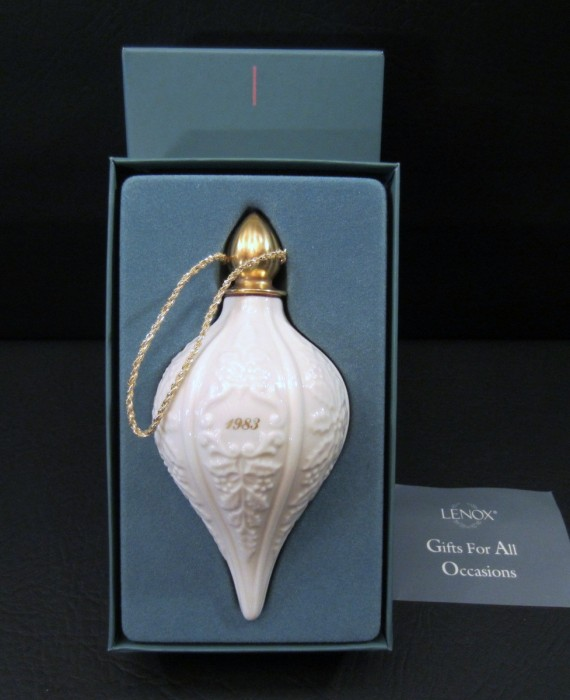 Lenox China Limited Edition 1983 Ivory Embossed Holly 24 kt Gold Christmas Ornament