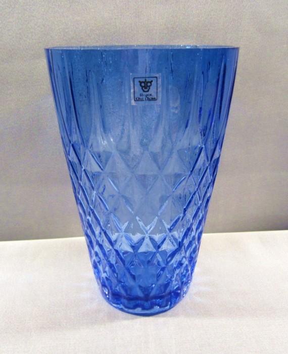 Large Royal Art Glass Cobalt Blue Flower Vase