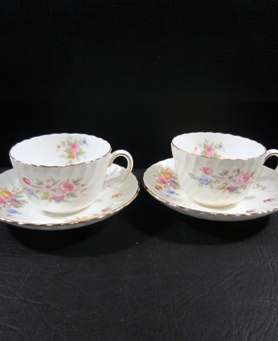 Minton Marlow S 309 Floral Scalloped 2 Tea Cups & 2 Saucers
