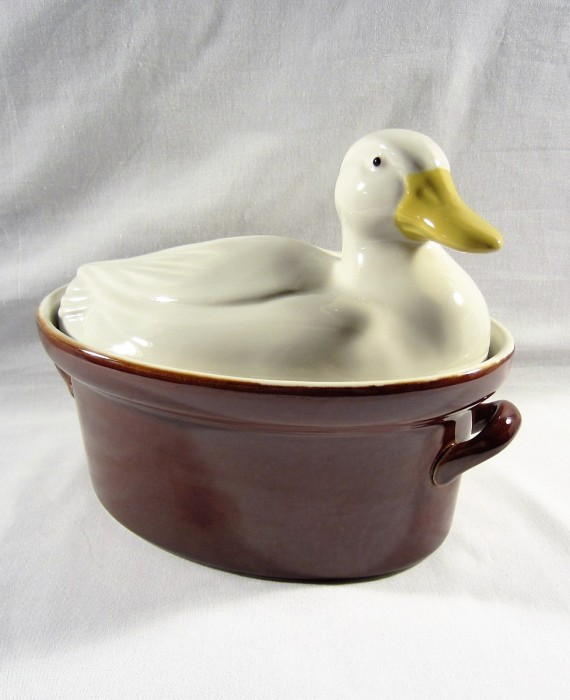 Hall Carbone Duck Covered Brown Casserole Dish