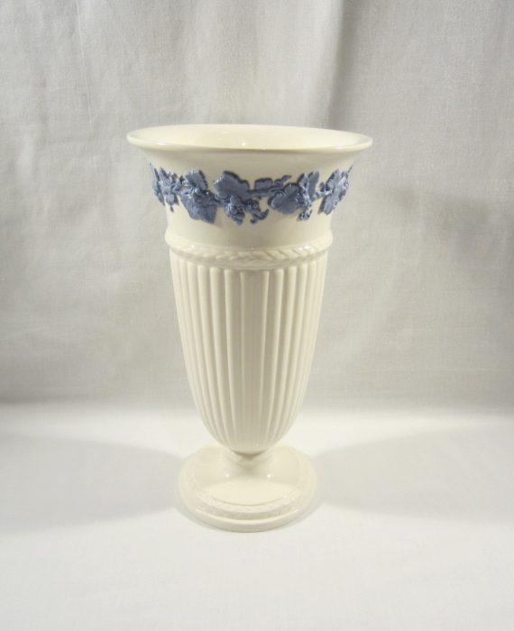 Wedgwood Embossed Queen's Ware Barlaston Lavender Blue on Cream Vase